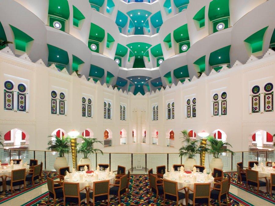 dubai-hotel-atrium