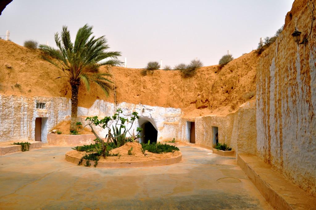 Tunisia_matmata_pacio
