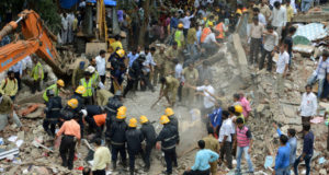 Rescuers fear people trapped in Mumbai building collapse